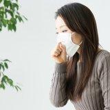 【ティッシュ1枚だけ】寝る時になると出る咳を簡単に止める方法
