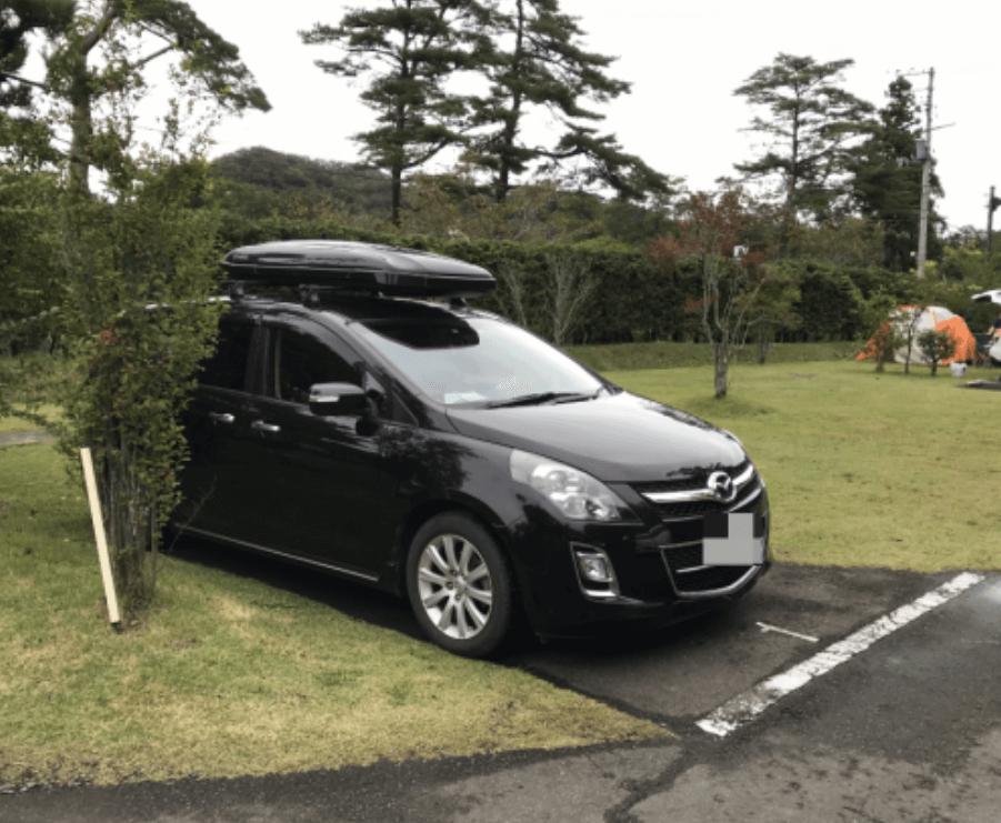 天守閣自然公園キャンプ場の駐車スペース